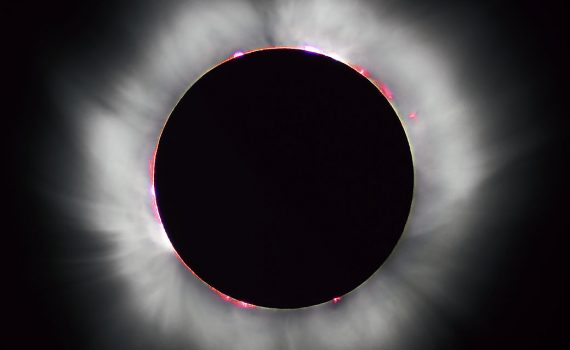 This is an incredible photo of the 1999 total solar eclipse in France. (Luc Viatour / www.Lucnix.be)