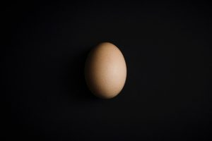 Imperfections in an egg surface make it possible to balance an egg any time of the year. (Michał Grosicki)
