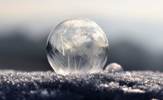Frost patterns form on bubbles you freeze outdoors.