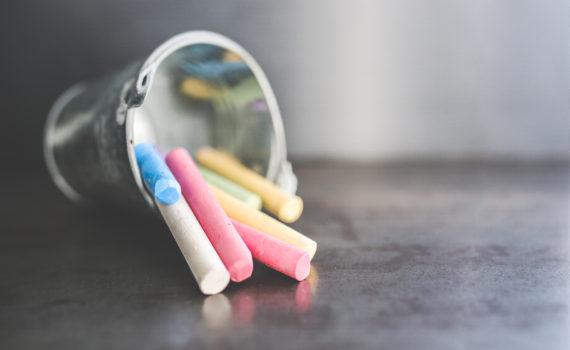 Colored chalk is easy to make yourself. (Kaboompics // Karolina)
