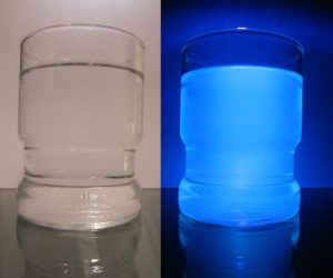 Tonic water glows blue under a black light. (GeoTrinity)