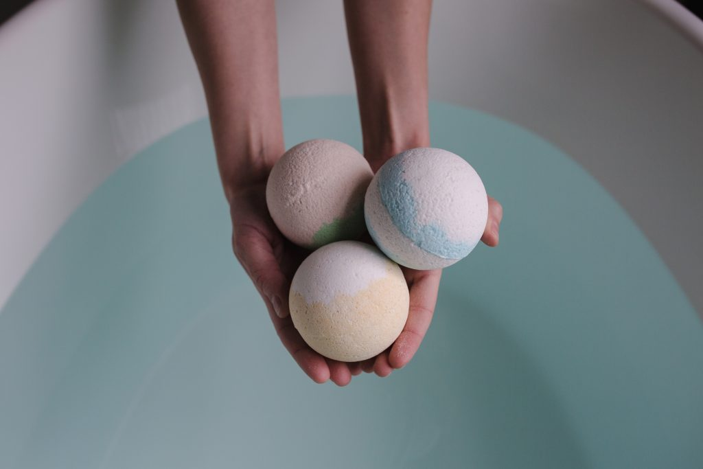 Bath bombs dissolve in an endothermic reaction