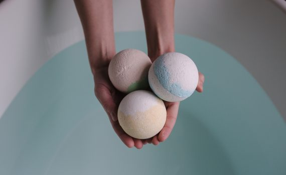 Bath bombs dissolve in an endothermic reaction