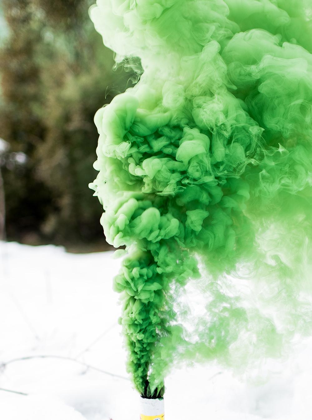 How To Make A Colored Smoke Bomb